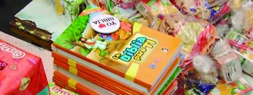 SOCIEDAD BÍBLICA PERUANA OBSEQUIÓ BIBLIAS A NIÑOS DEL CERRO SAN CRISTÓBAL EN EL RÍMAC.